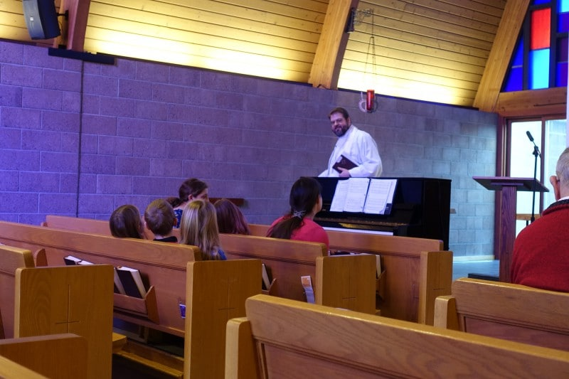 2020-01-12-Children-Sermon-Jesus-Baptism-DSC05784
