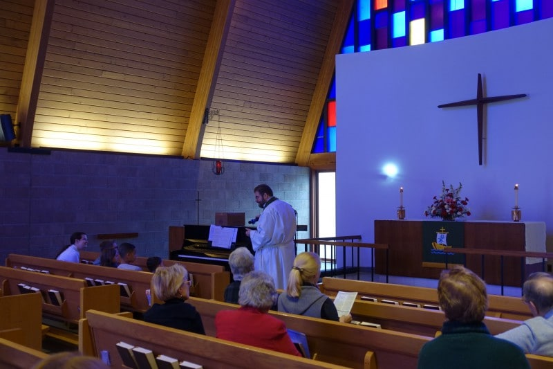 2020-02-09-CLC-Children-sermon-on-the-light-of-the-world-DSC05933