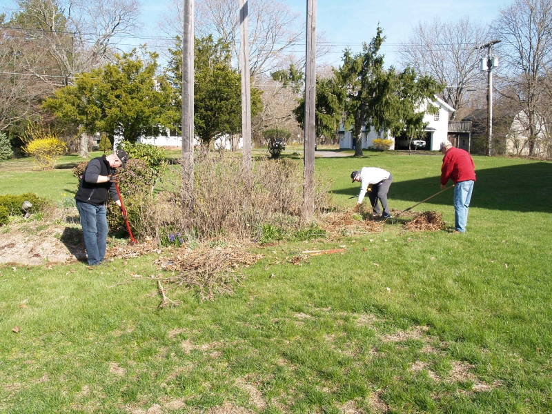 2016-04-16 CLC Spring Cleanup P4161568