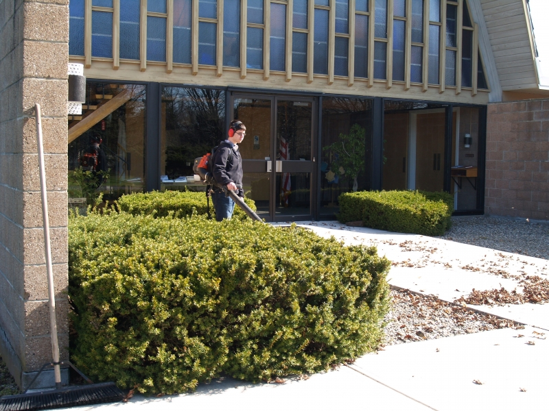 2016-04-16 CLC Spring Cleanup P4161569