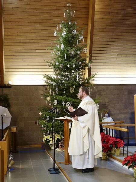 2020-12-24-CLC-Christmas-Eve-DSC06630
