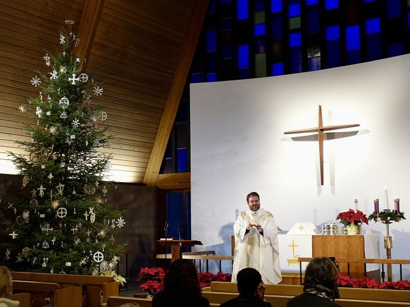 2020-12-24-CLC-Christmas-Eve-DSC06639