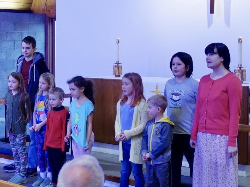 "Children sing ""Good News, Great Joy"""