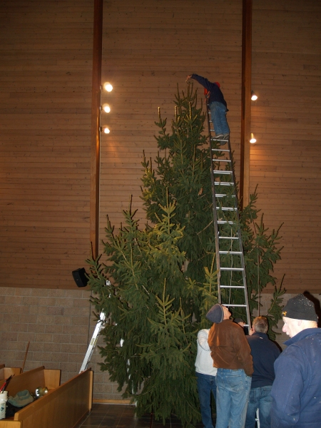 2014-12-19 CLC Christmas Tree_PC199796