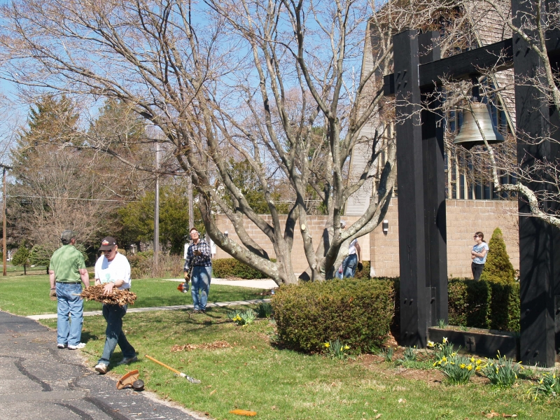 2015-04-18 CLC spring cleanup_P4180441