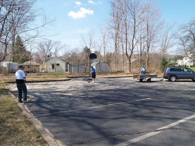 2015-04-18 CLC spring cleanup_P4180448